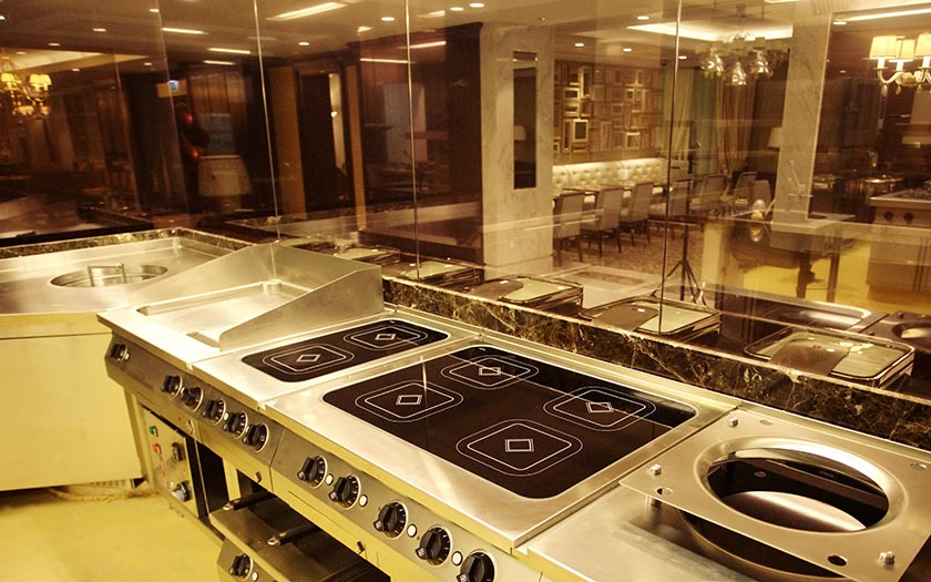Professional kitchen equipment miko hotel services for Equipement hotel